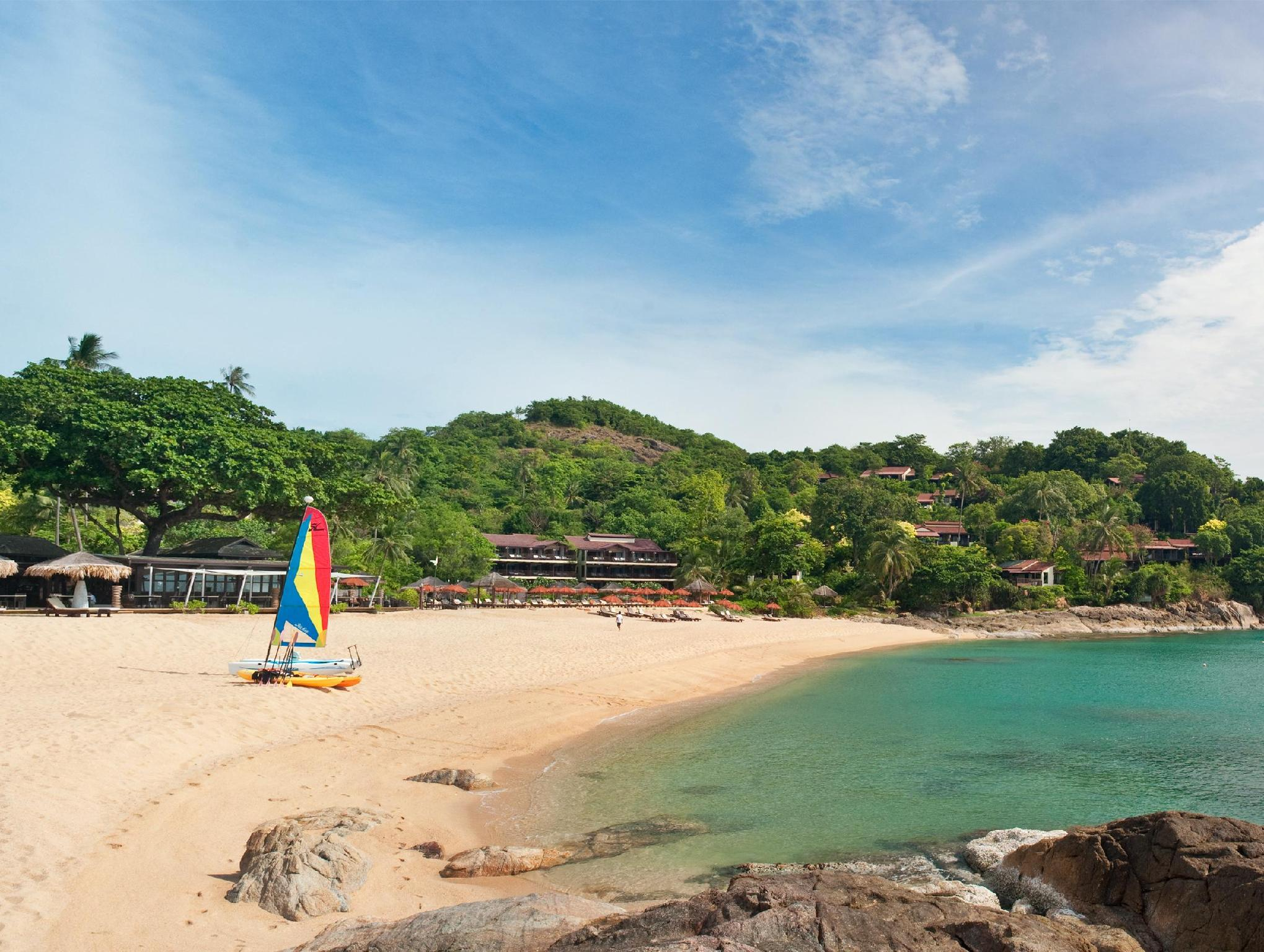 The Tongsai Bay Hotel โรงแรมบ้านท้องทราย
