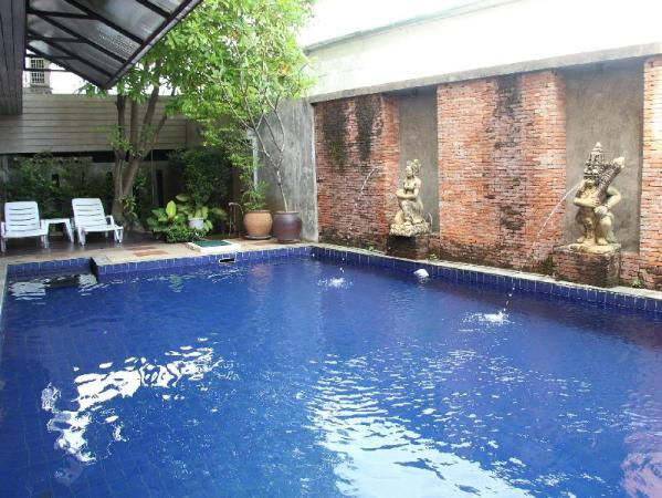 Twin Inn Hotel Phuket