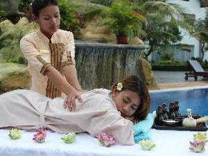 關於吳哥天堂别墅飯店 (Paradise Angkor Villa Hotel)
