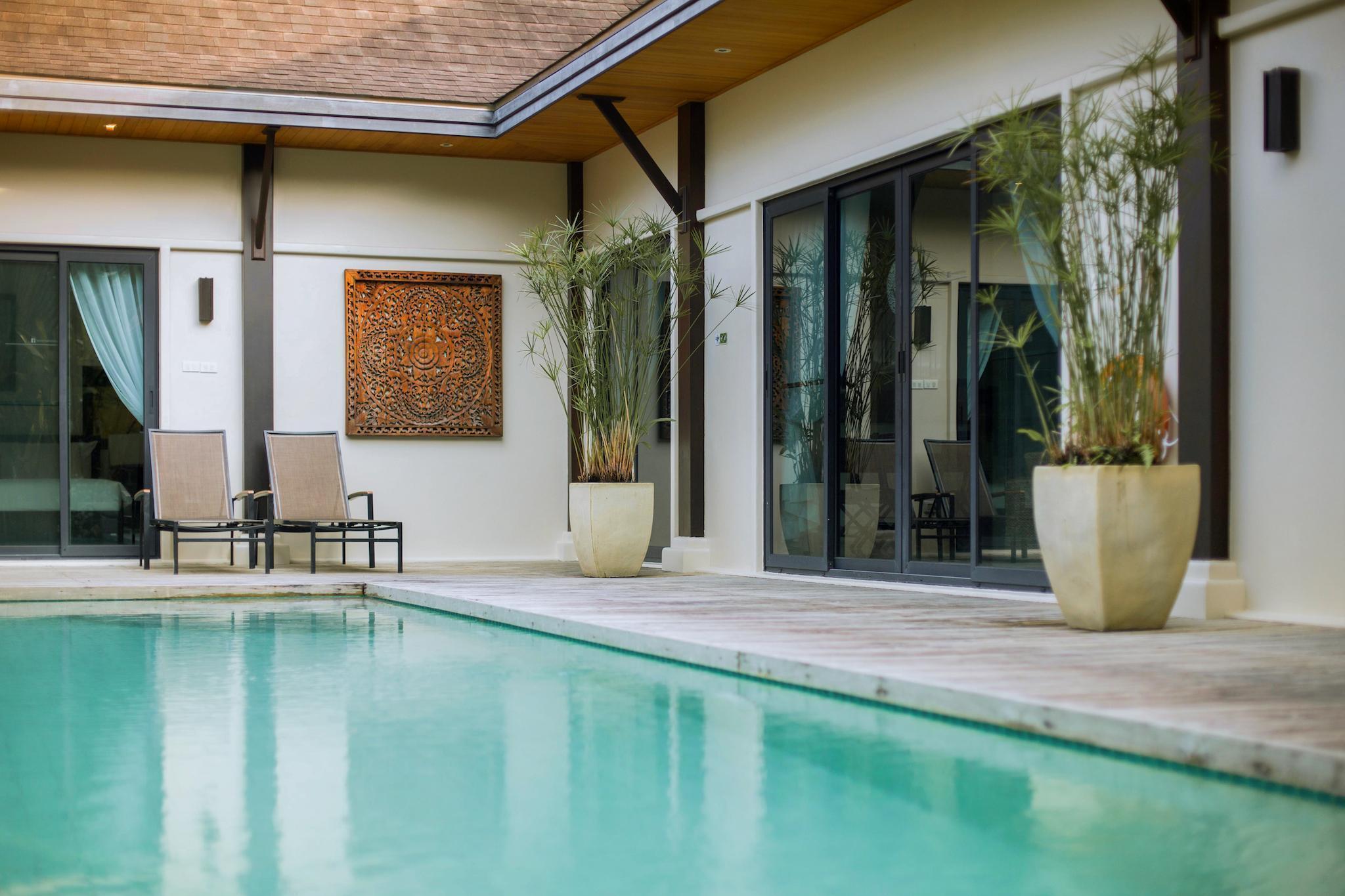 Two Villas Holiday: Oriental Style Nai Harn Beach ทู วิลลา ฮอลิเดย์ โอเรียนตัล สไตล์ หาดในหาน
