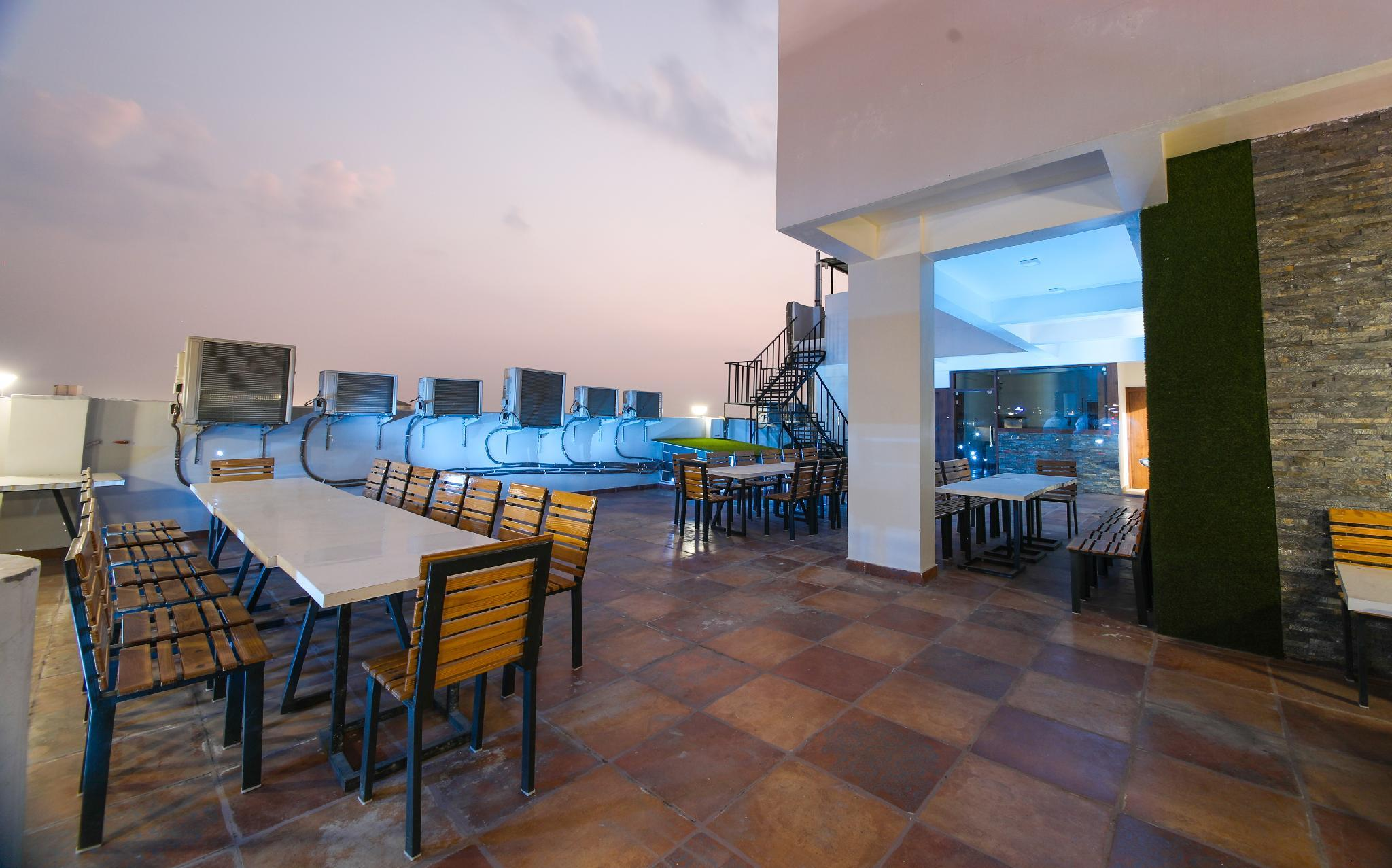 Hotel Aishwarya And Restaurant