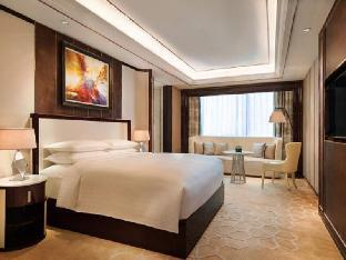 Фото отеля Courtyard by Marriott Zhengzhou East