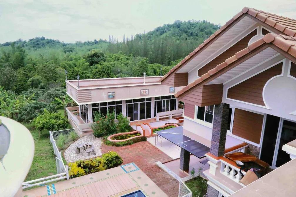6 Bedroom Mountain Pool Villa Suan Phueng