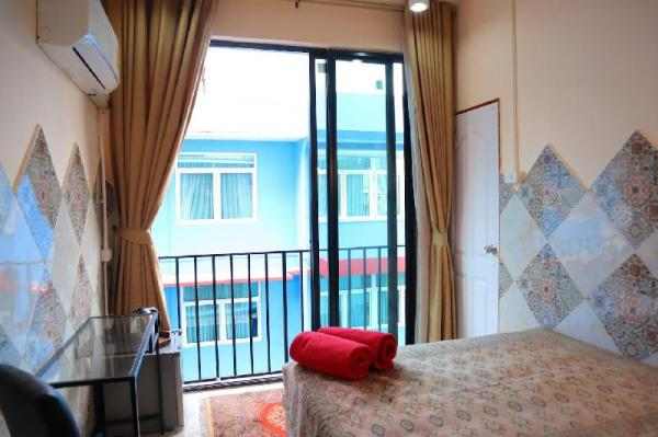Cool, colorful and Private near MRT Central BKK  Bangkok