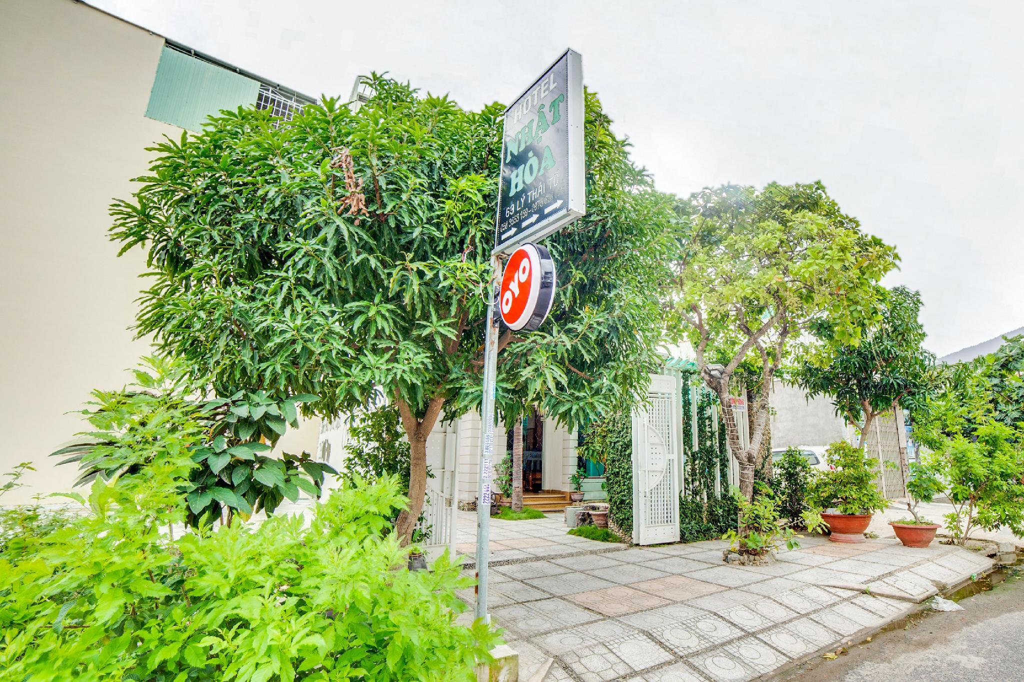 OYO 576 Nhat Hoa Hotel