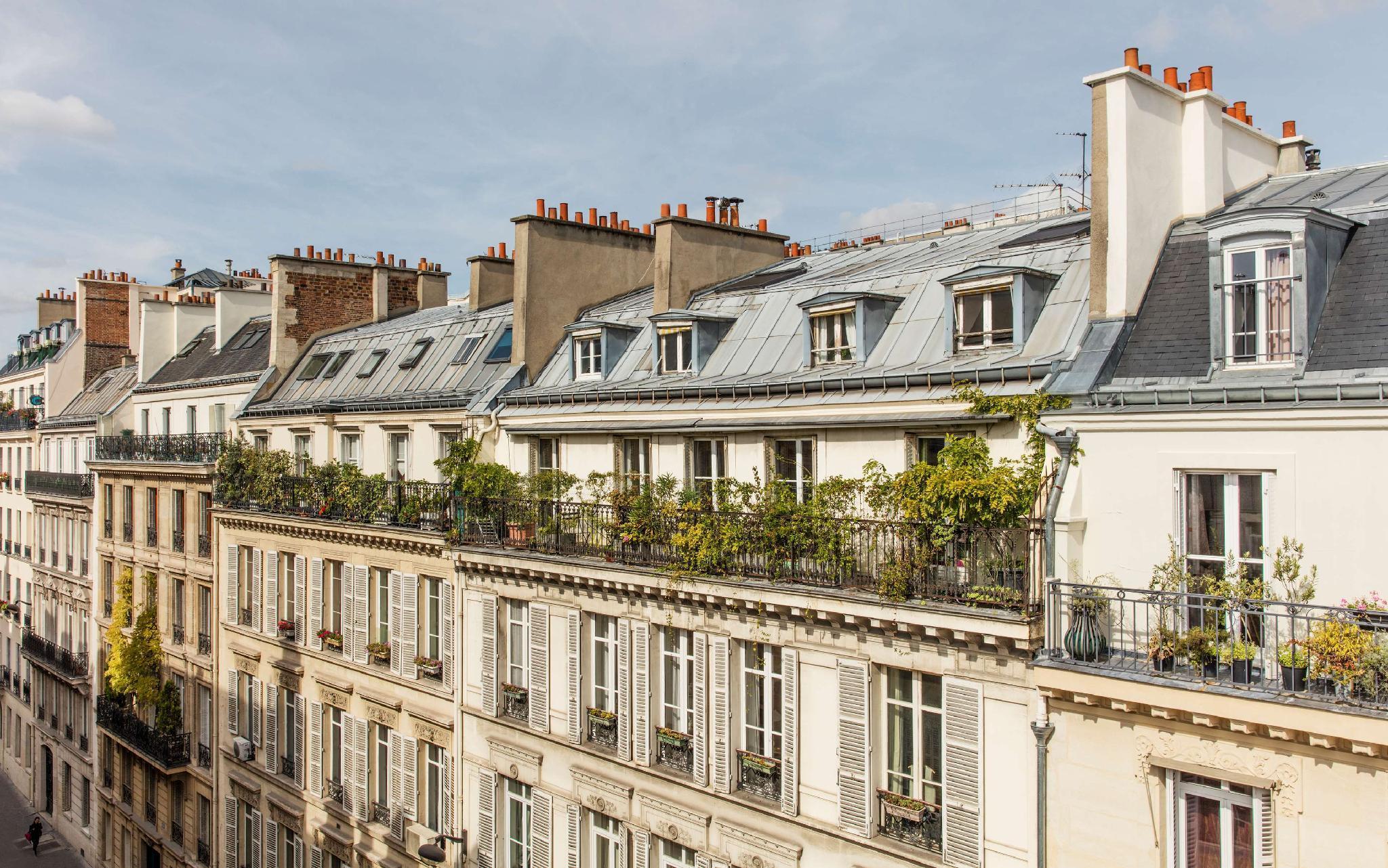 Staycation in Paris