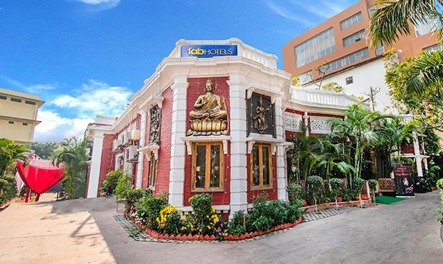 FabHotel Heritage Charbagh