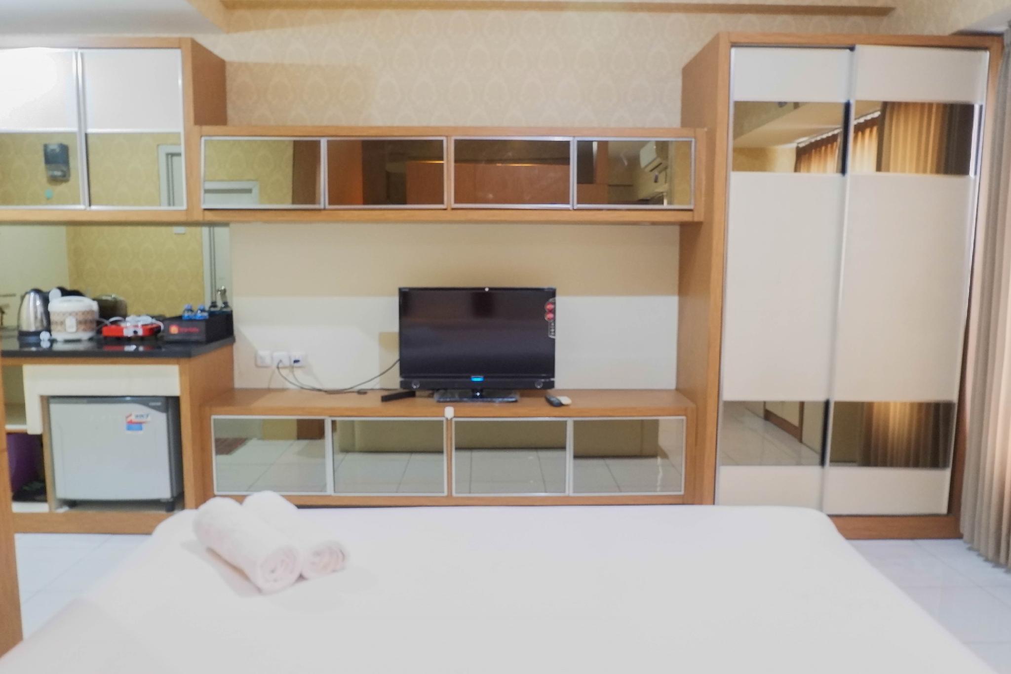 Cozy Studio At UC Apartment By Travelio