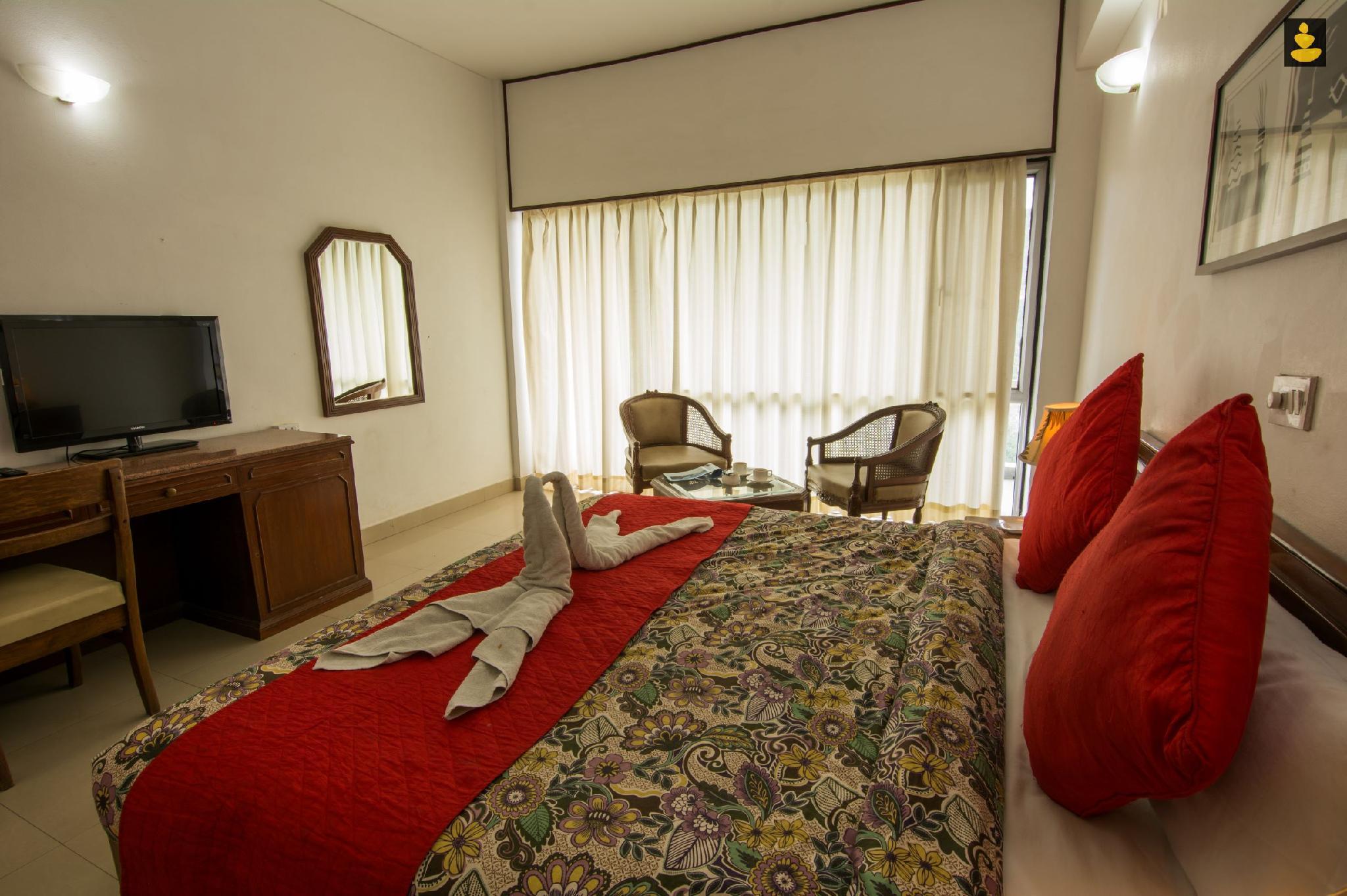 LivingStone   Misty Mountain Resort   Deluxe Room