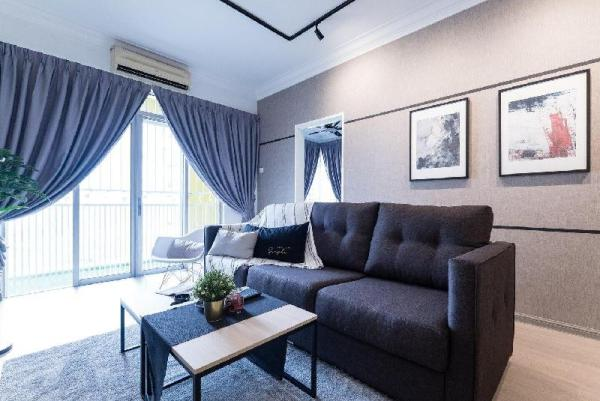 NEW! Artistic 4Rooms Suites (14 pax) Kuala Lumpur