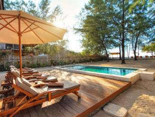 The Gili Beach Resort - Lombok
