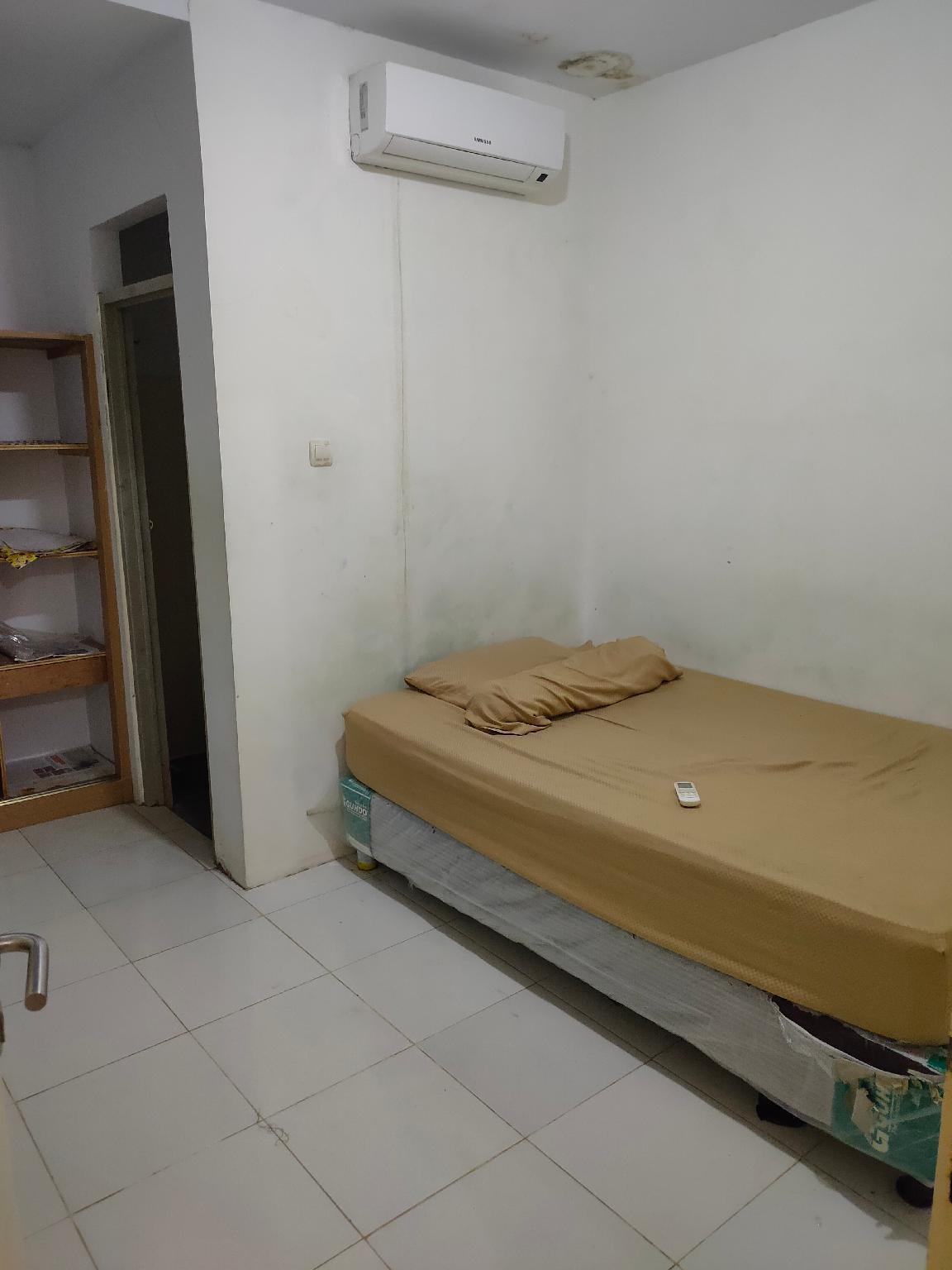 OYO 2223 J And B Room Utan Kayu