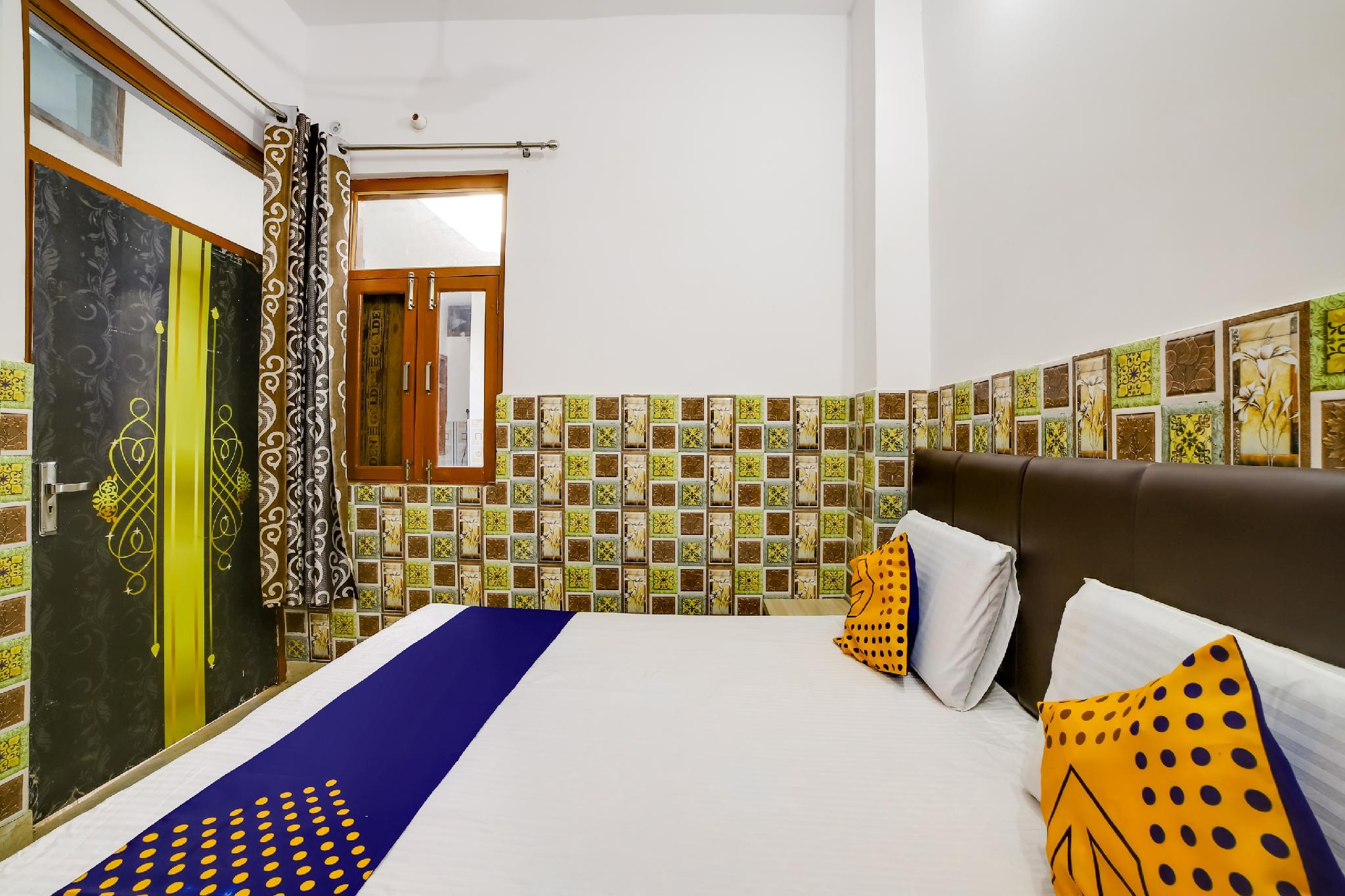 SPOT ON 60856 Sanjari Garib Guest House