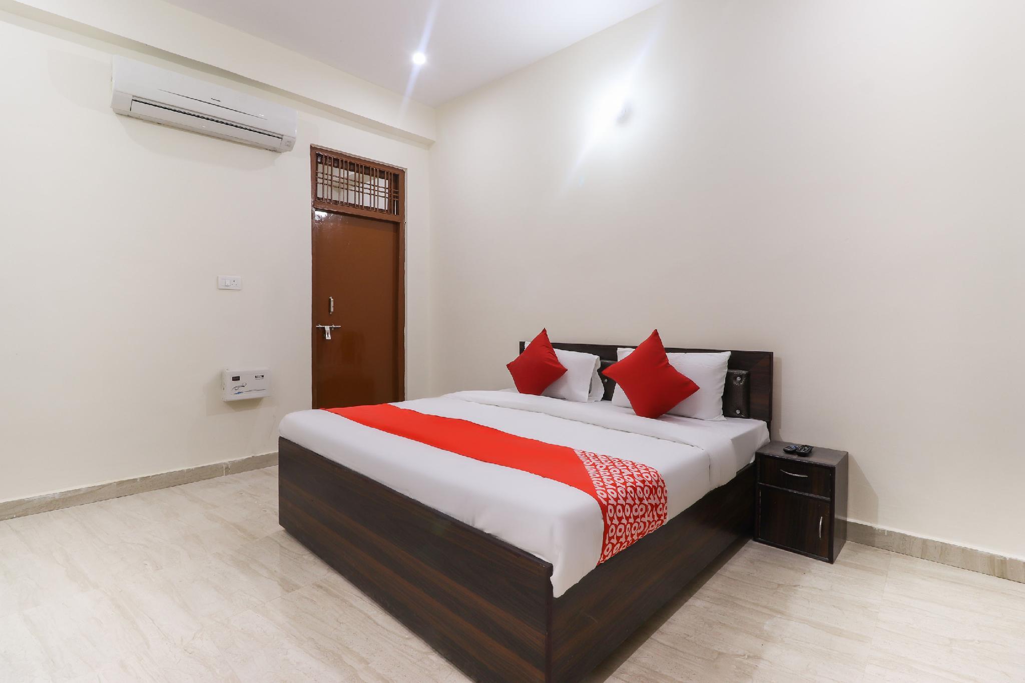 OYO 46253 A R Hotel