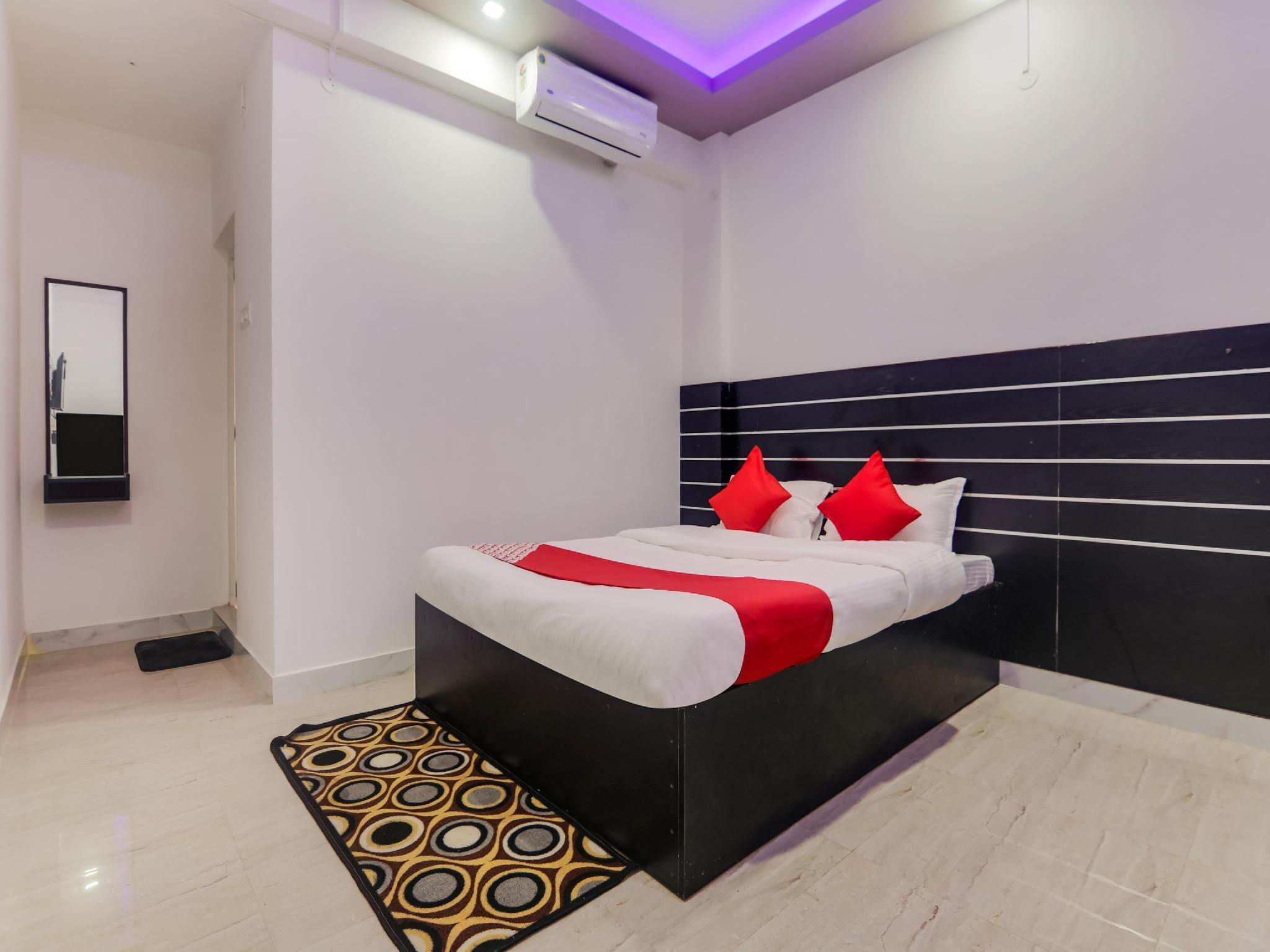 OYO 64834 Royal Holiday Inn