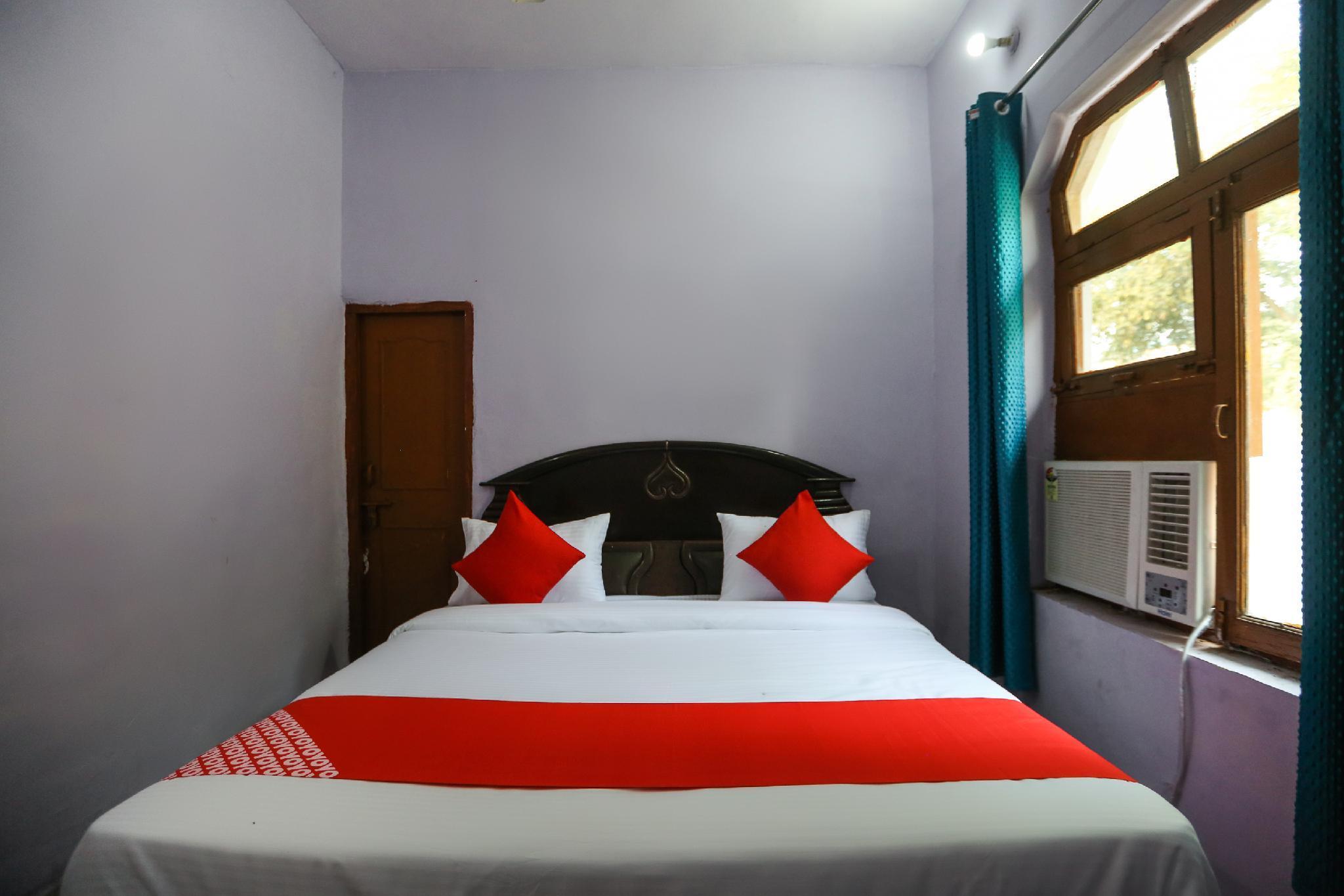 OYO 63352 Hotel Gadhpuri