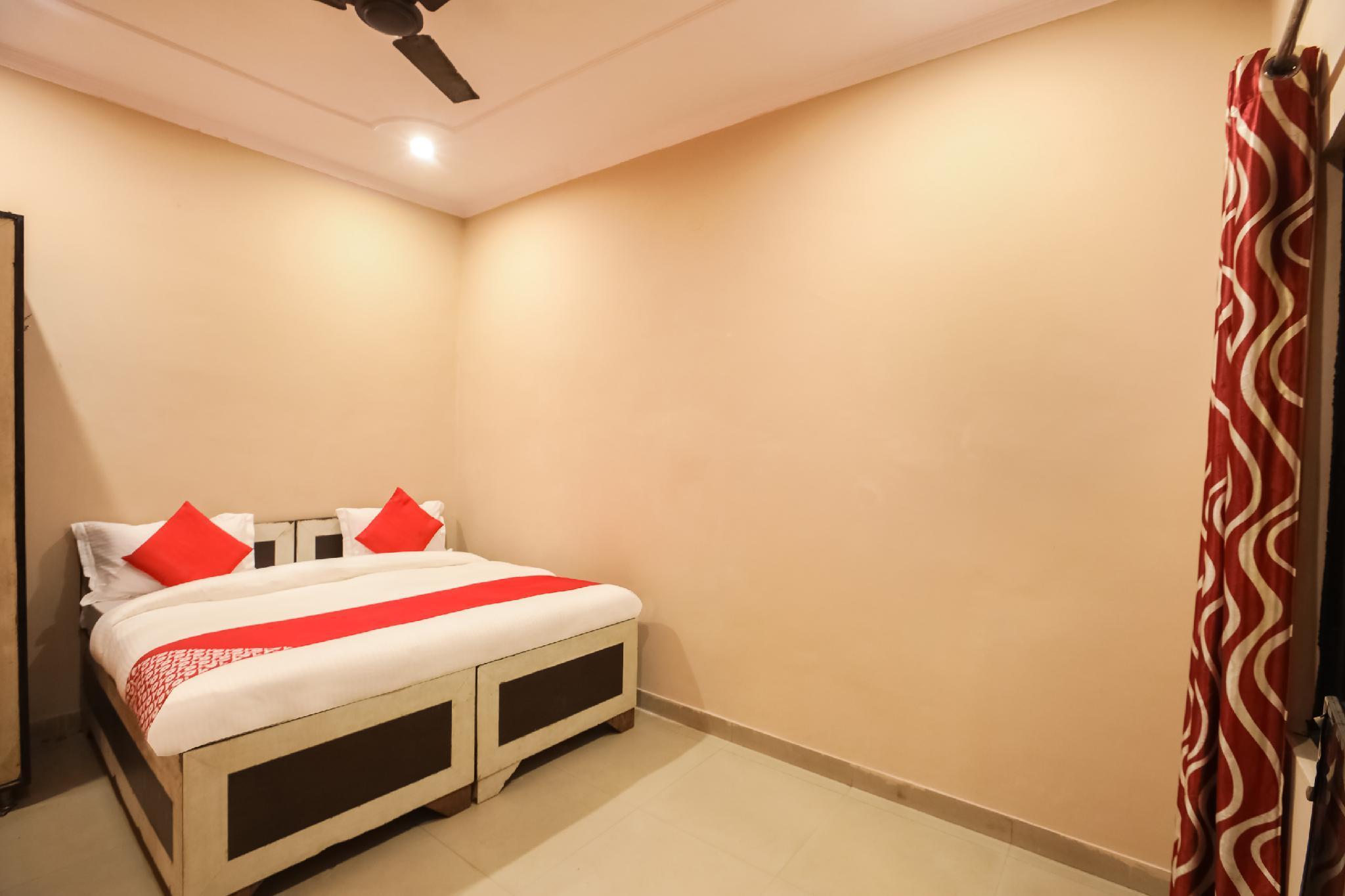 OYO 64271 Singh Hotel 2