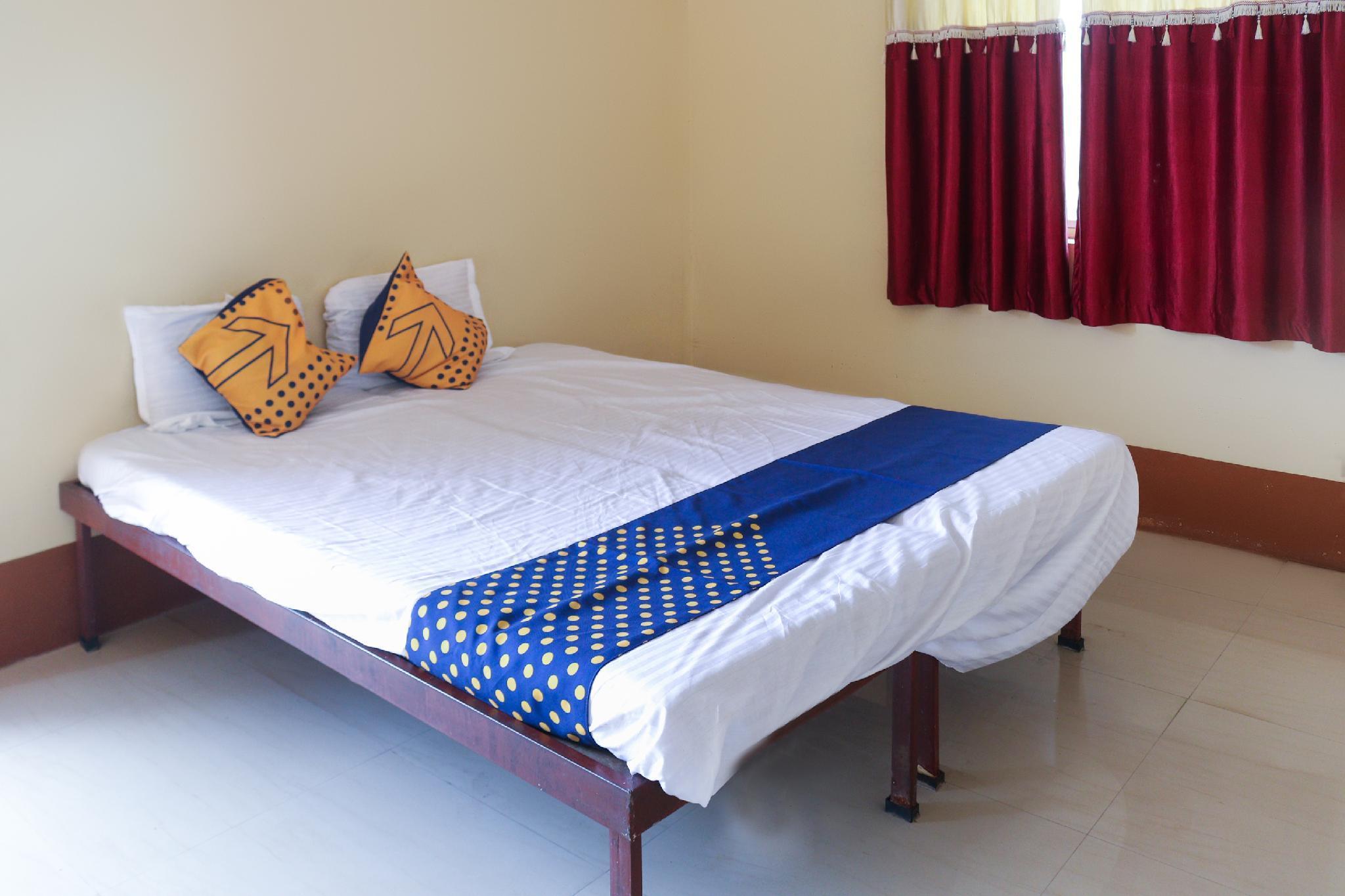 SPOT ON 65830 Hotel Renuka Lodging