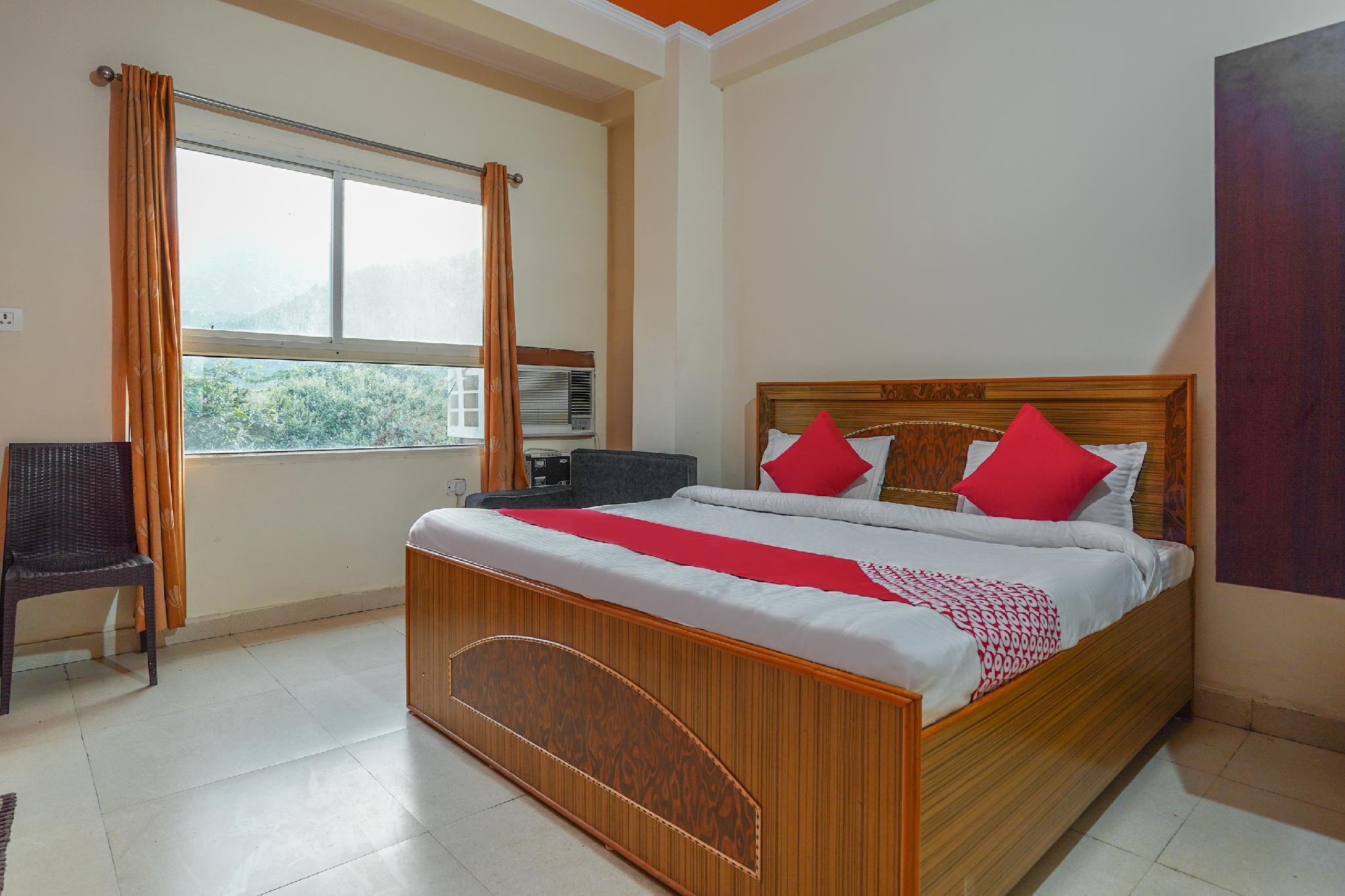 OYO 62383 Hotel Chakasha Govindam