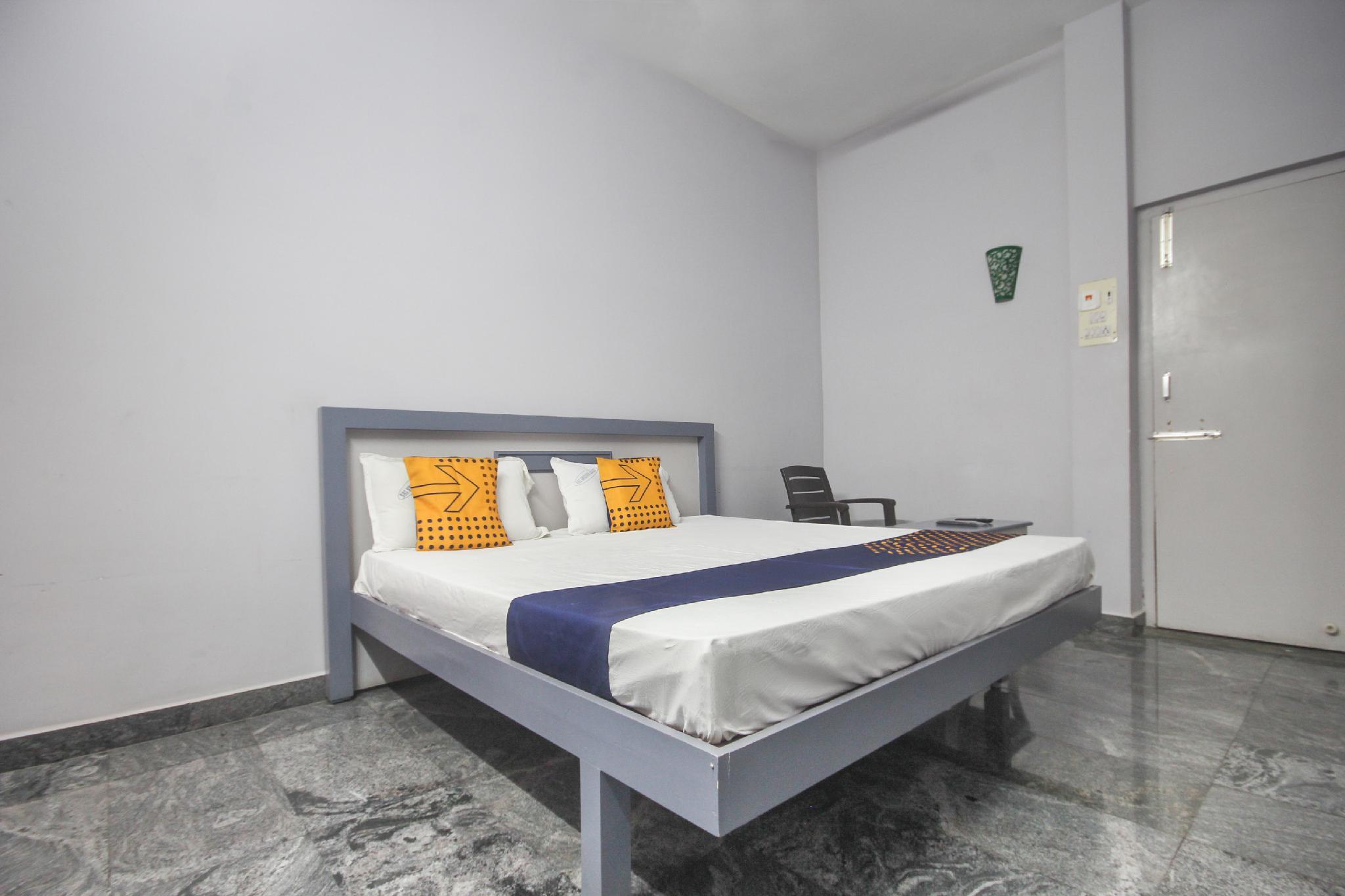 SPOT ON 65657 Sri Krishna Lodge