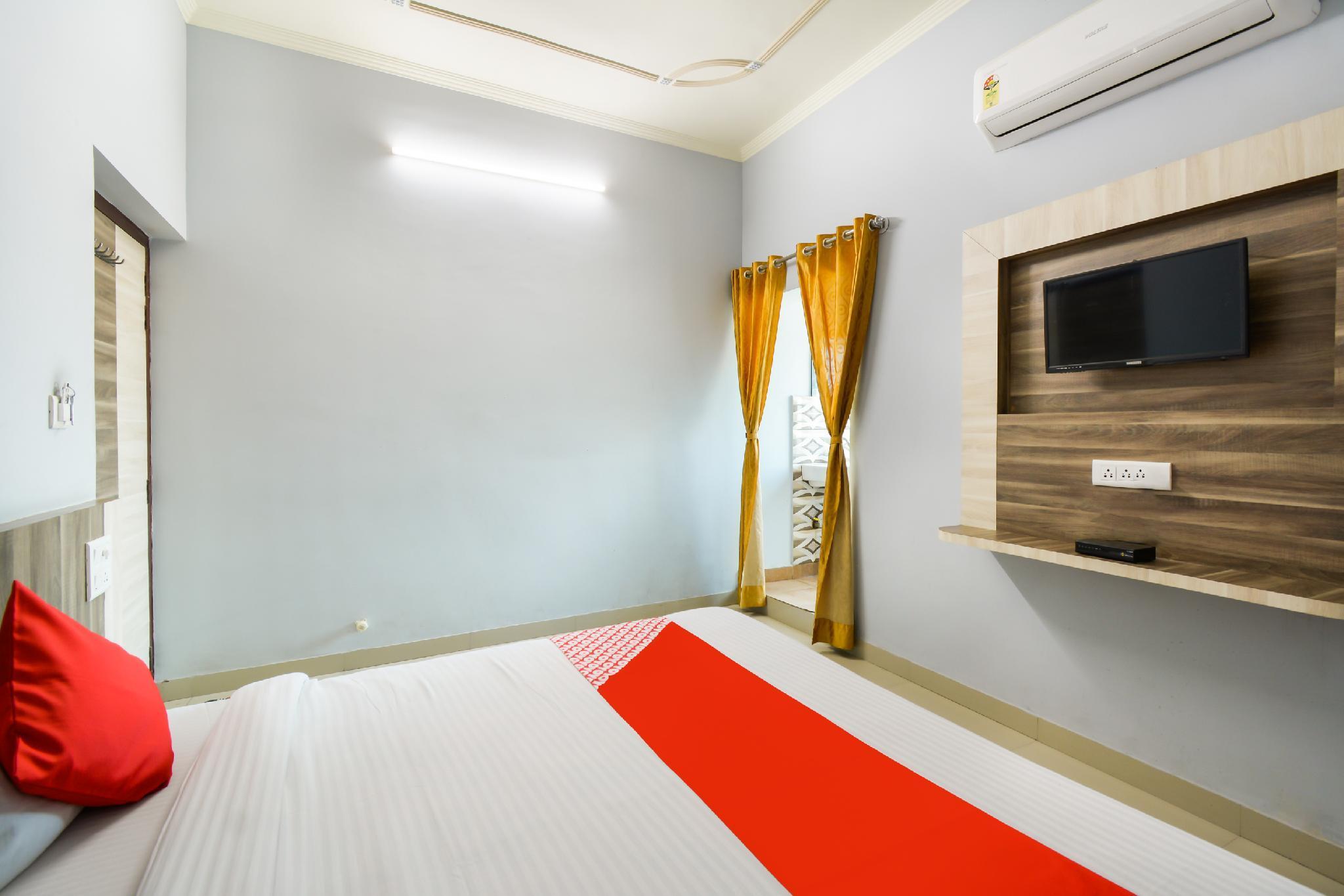 OYO 65676 Rj18 Hotel And Family Restaurant