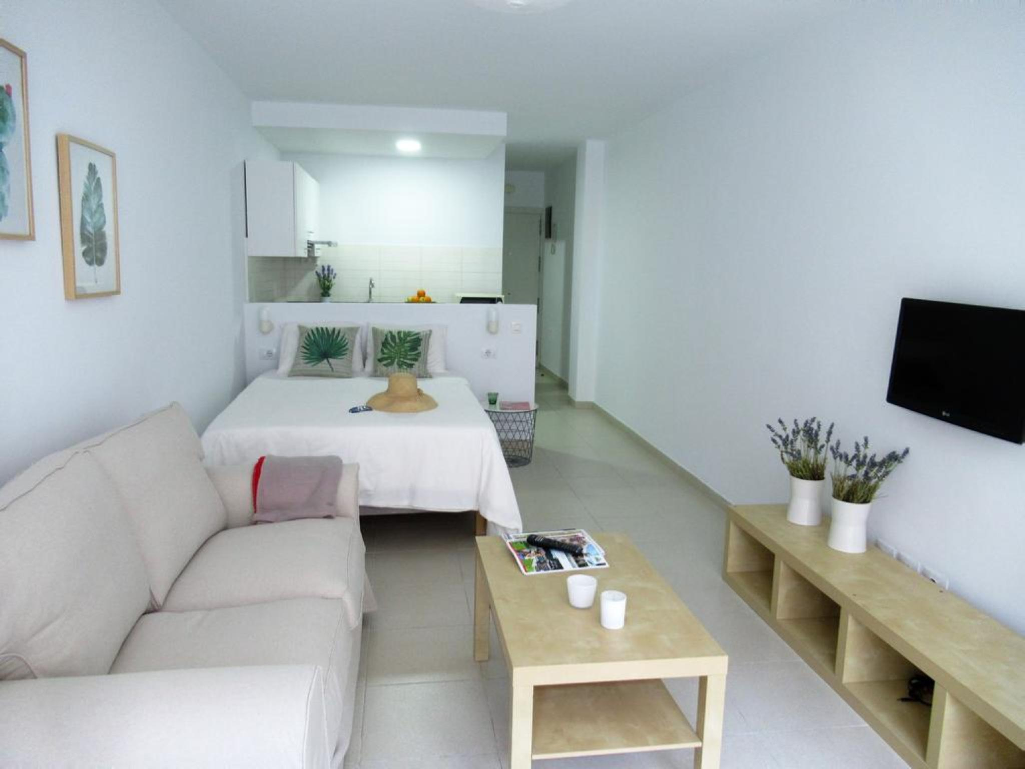 107432   Studio In Las Palmas