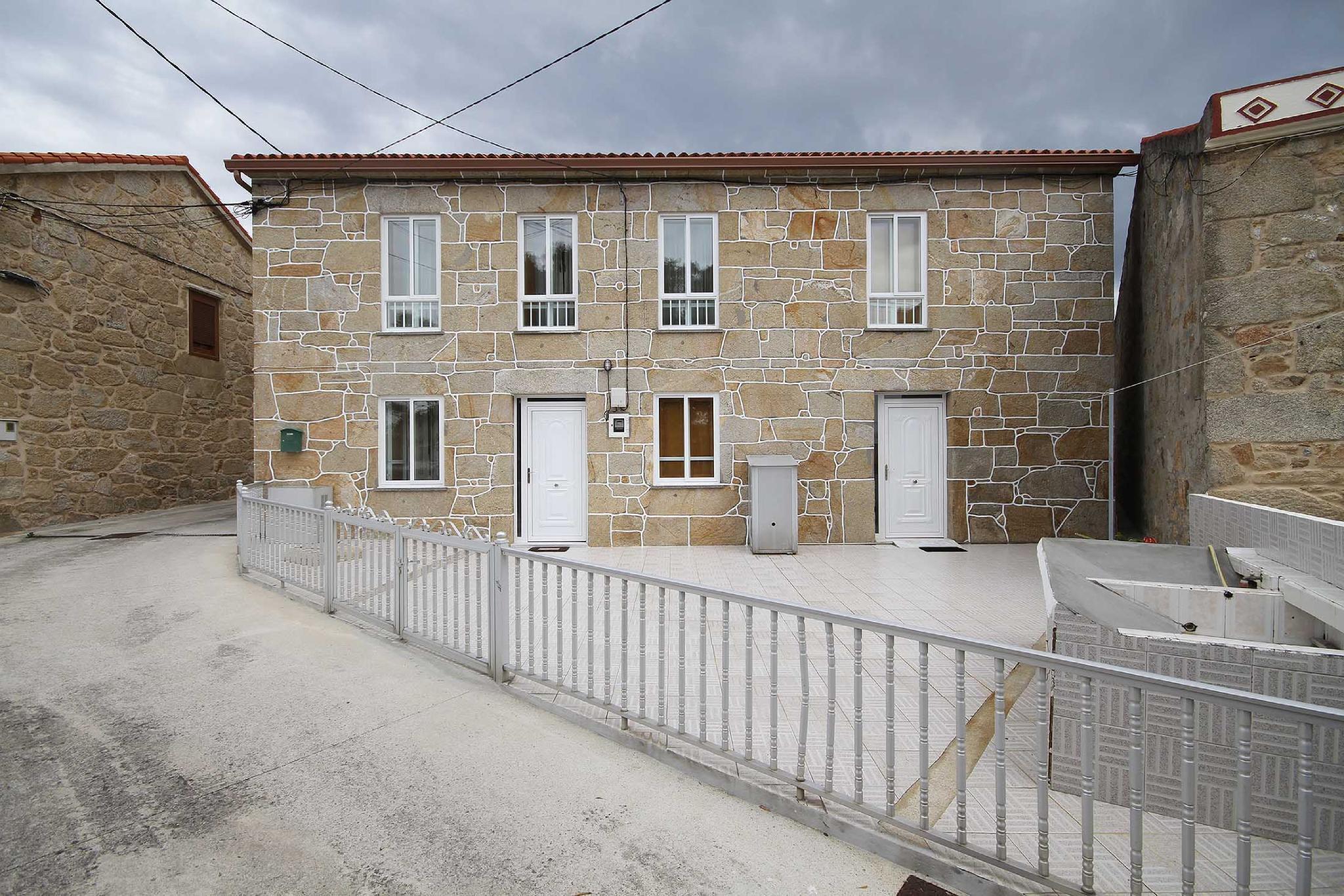 107775   House In Lira