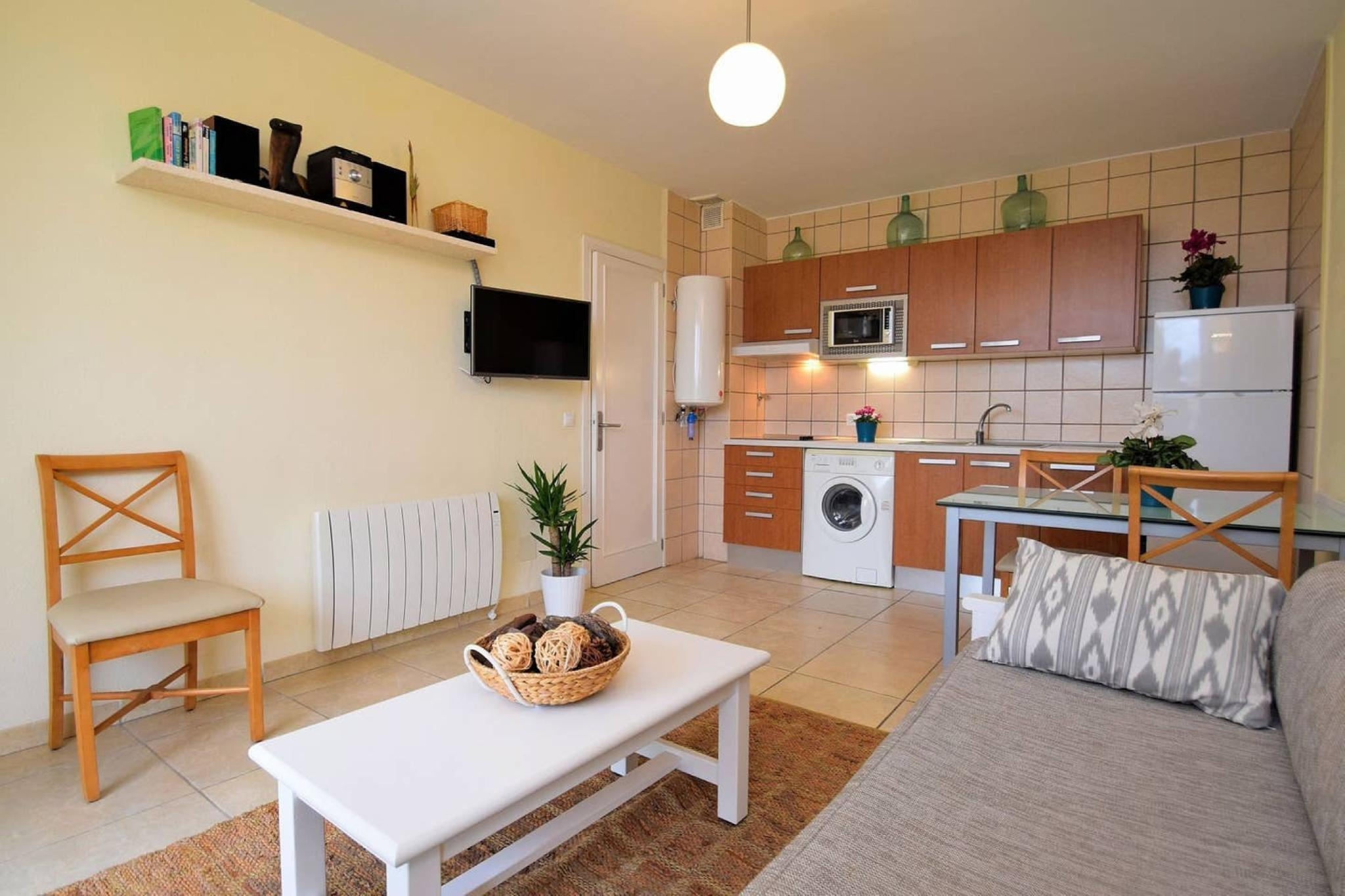 107893- Apartment in Can Picafort