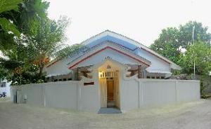 Thoddoo Ocean Front Guesthouse