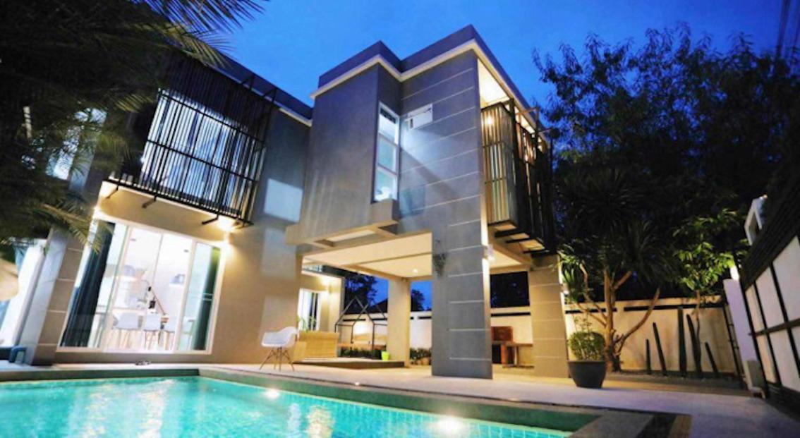The Lux Pool Villa   Free Breakfast