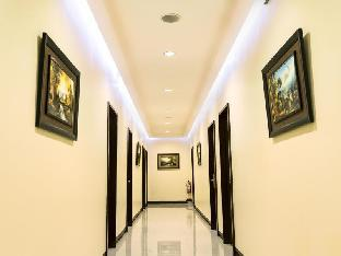 picture 4 of Winzelle Suites