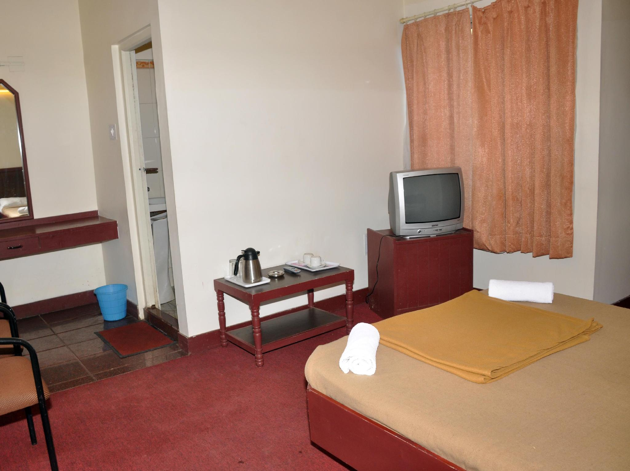 Price Hotel Blue Hills International