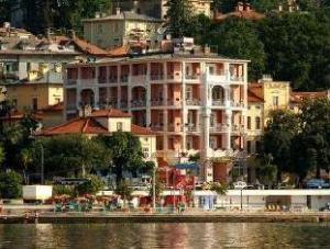 關於莫紮特飯店 (Hotel Mozart)