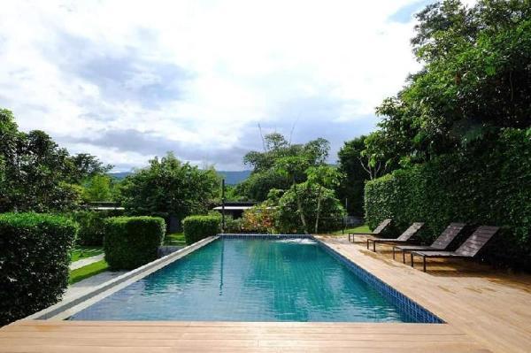 Loft Berry Resort Ratchaburi