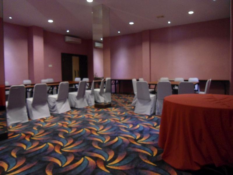 Atria Inn Makassar