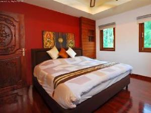 Информация за 4 Bedroom Luxury Villa 1 Chaweng (4 Bedroom Luxury Villa 1 Chaweng )