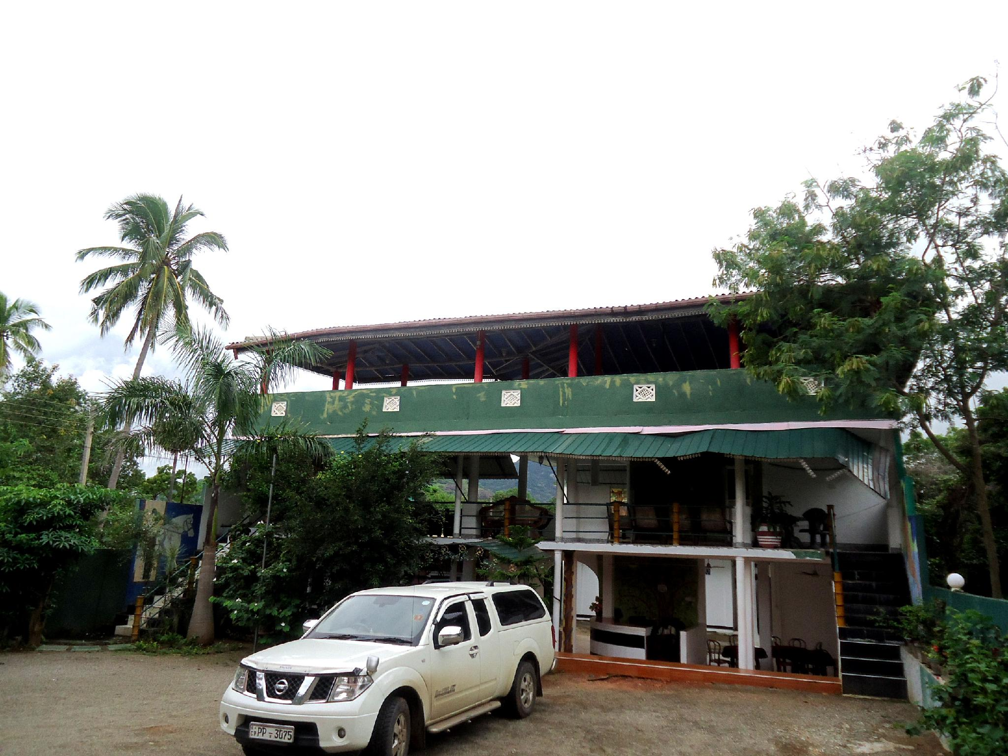 Kandalama Gate Hotel