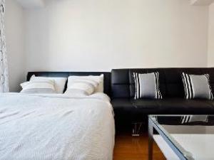 MI 1 Bedroom Apartment Near Shinsaibashi - Traditional Doll Street