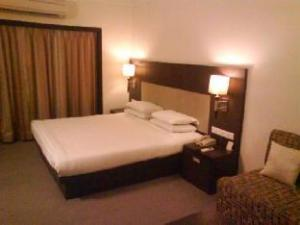 Vista Rooms @ Dr Yagnik Rd