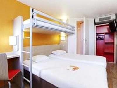 Premiere Classe Paris Ouest   Pont De Suresnes Hotel