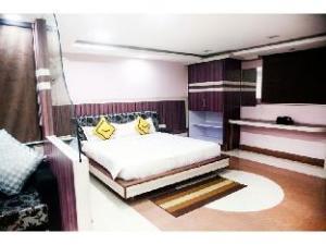 Vista Rooms @ M.P Nagar