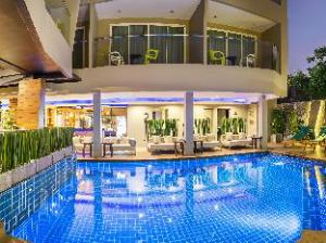 Ratana Hotel Patong Beach