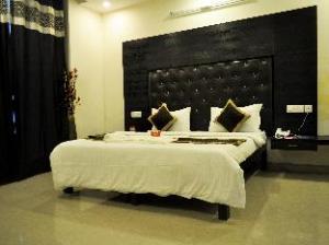OYO Rooms Huda City Center II