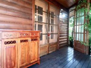 ไซเปรส ฟอเรสต์ เกสต์เฮาส์ (Cypress Forest Guesthouse)