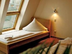 baxpax downtown Hostel/Hotel