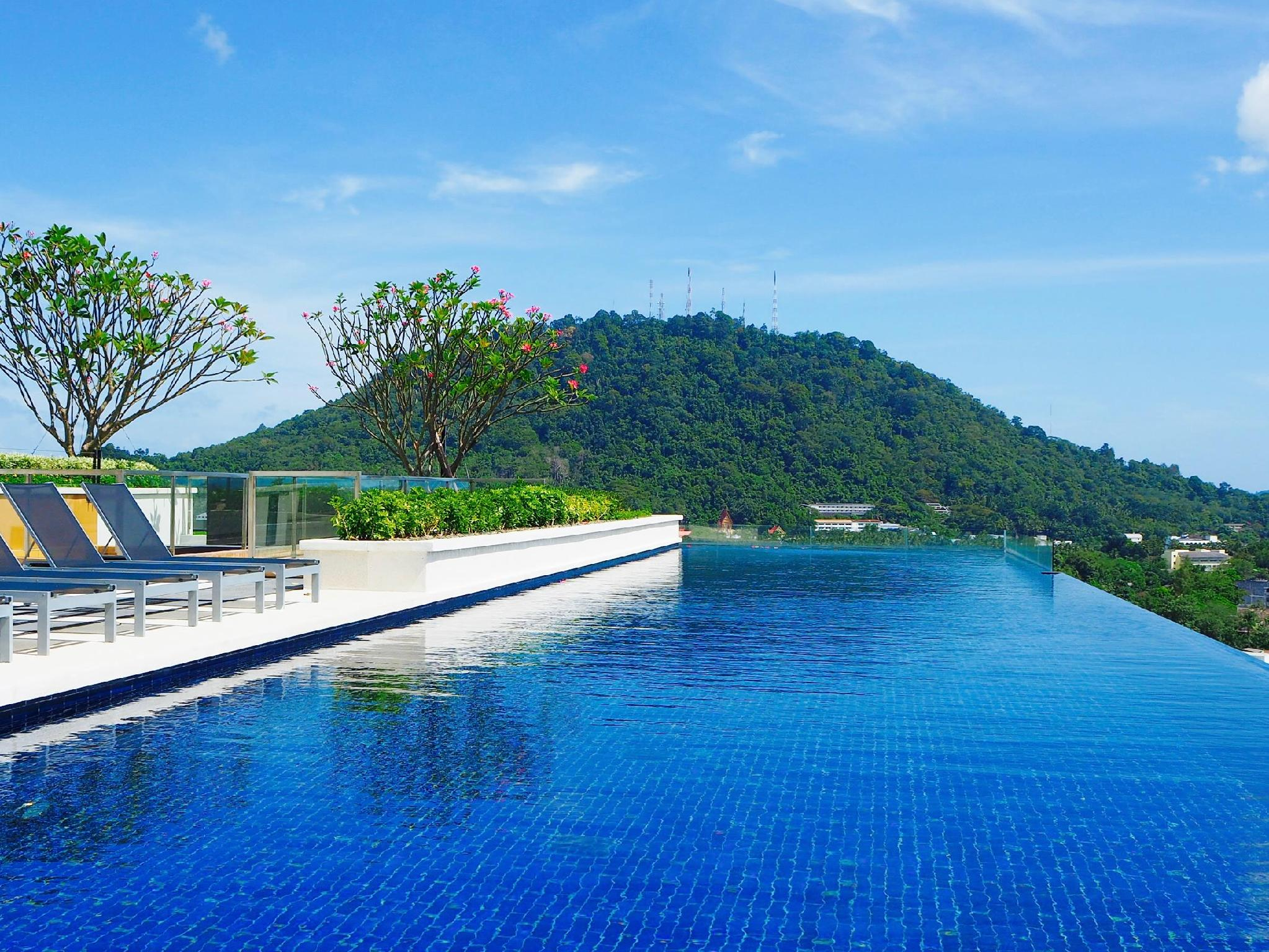Duplex Height Phuket And Rooftop Swimming Pool