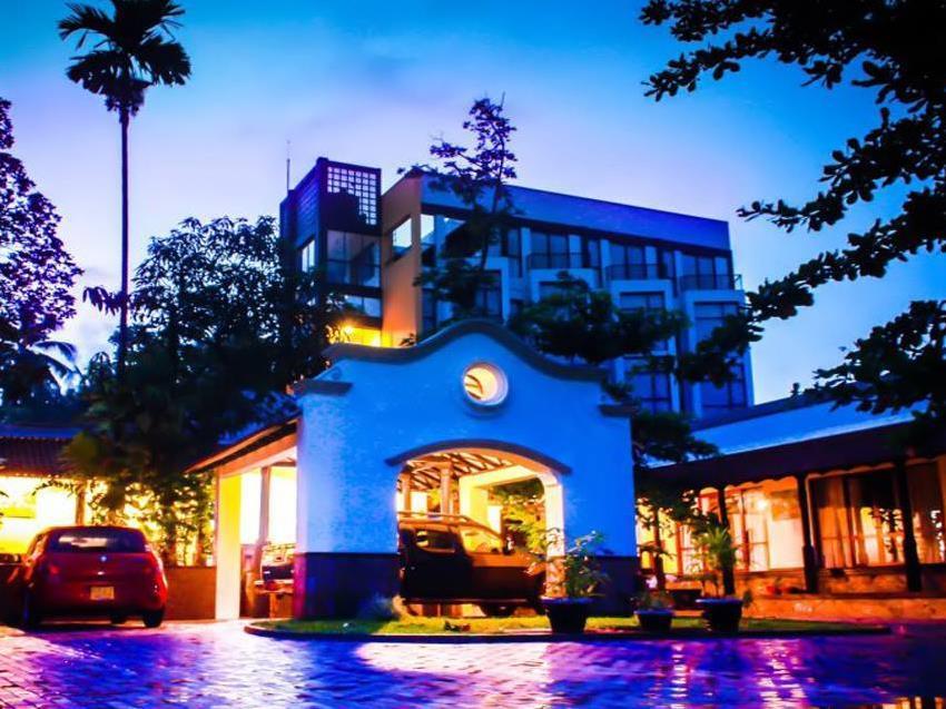 Sapthapadhi Hotel