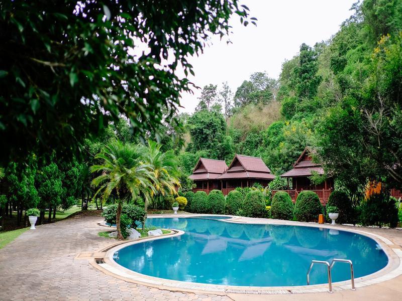 Lanna Resort ล้านนา รีสอร์ต
