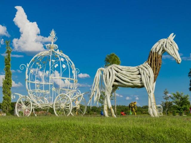 ริเวอร์แอนด์ฟลาวเวอร์ รีสอร์ต – River & Flowers Resort