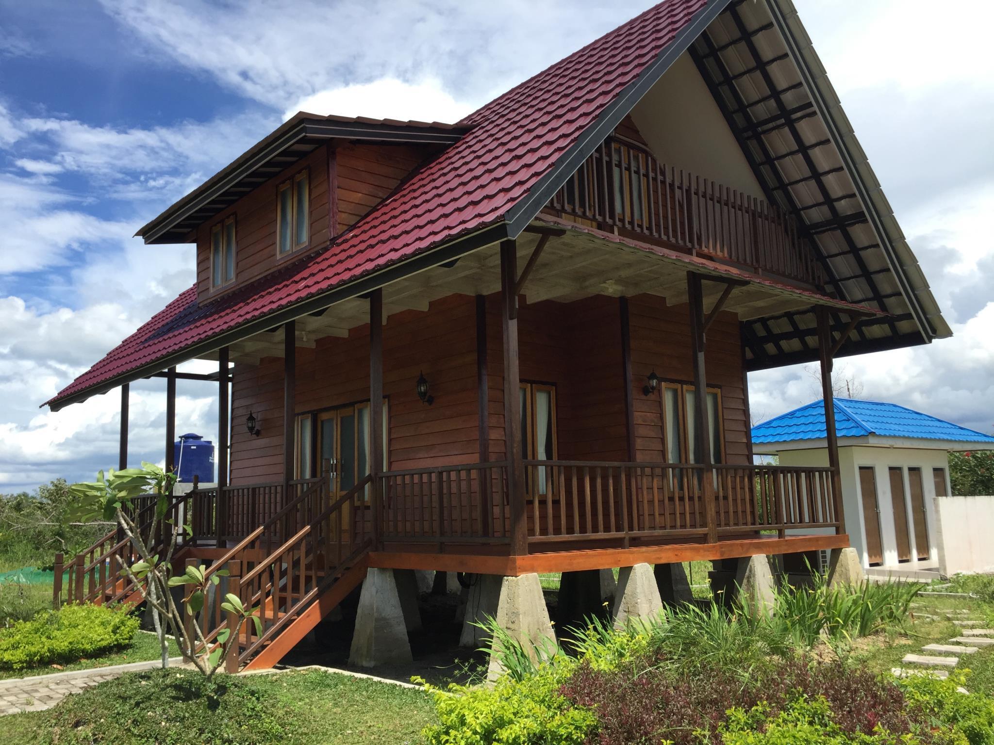 Pelangi Lake Resort And Hotel Belitung